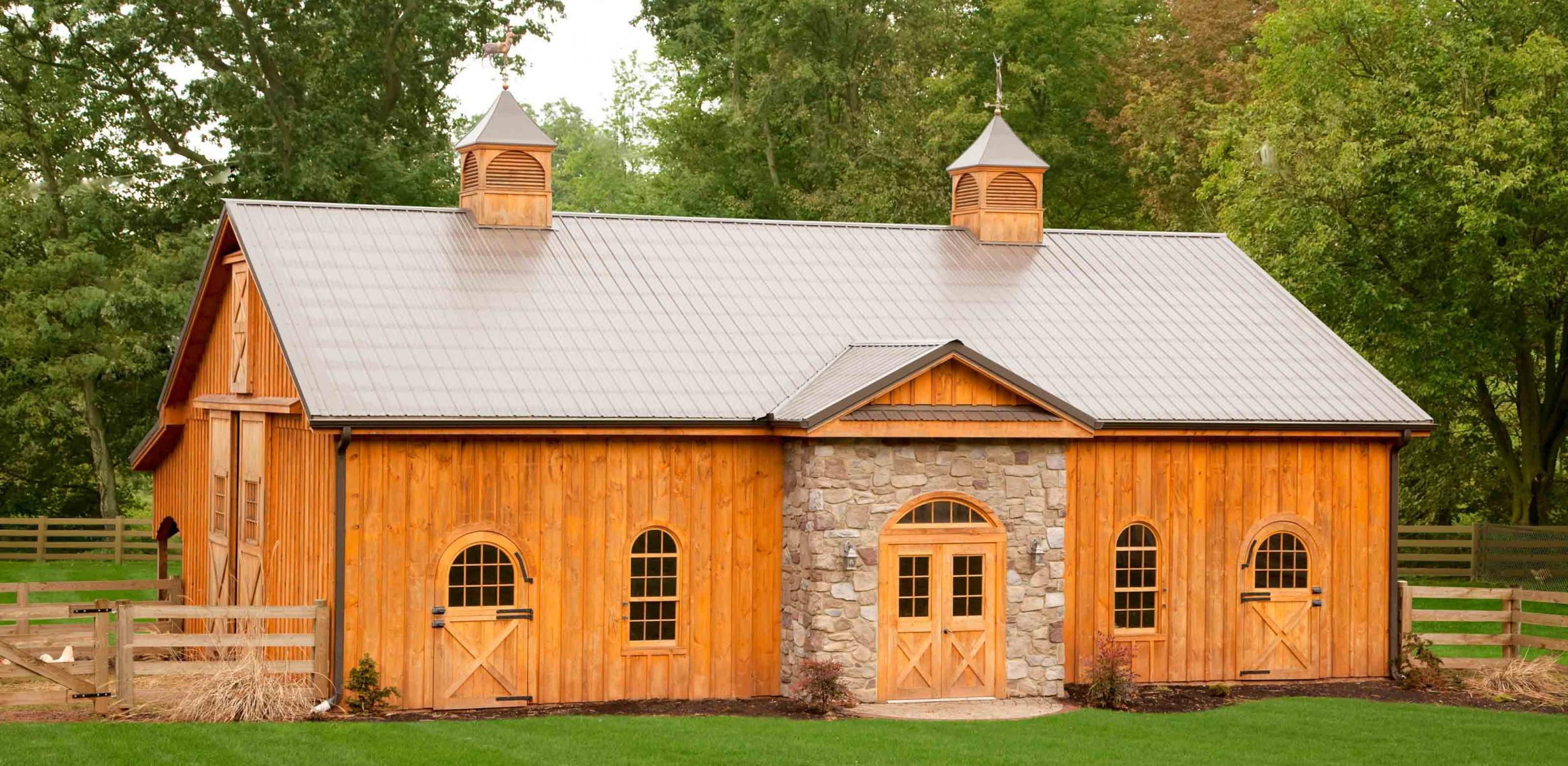 Restoration and construction experts stable hollow for 4 horse barn