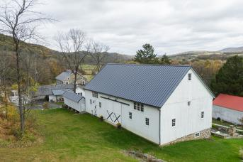 Barn restored by Stable Hollow Construction