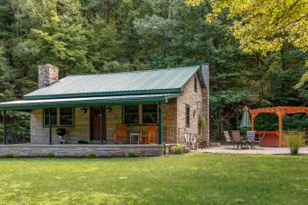 Fox Run Couple's Cottage