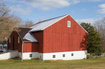 Old barn preservation by Stable Hollow Construction