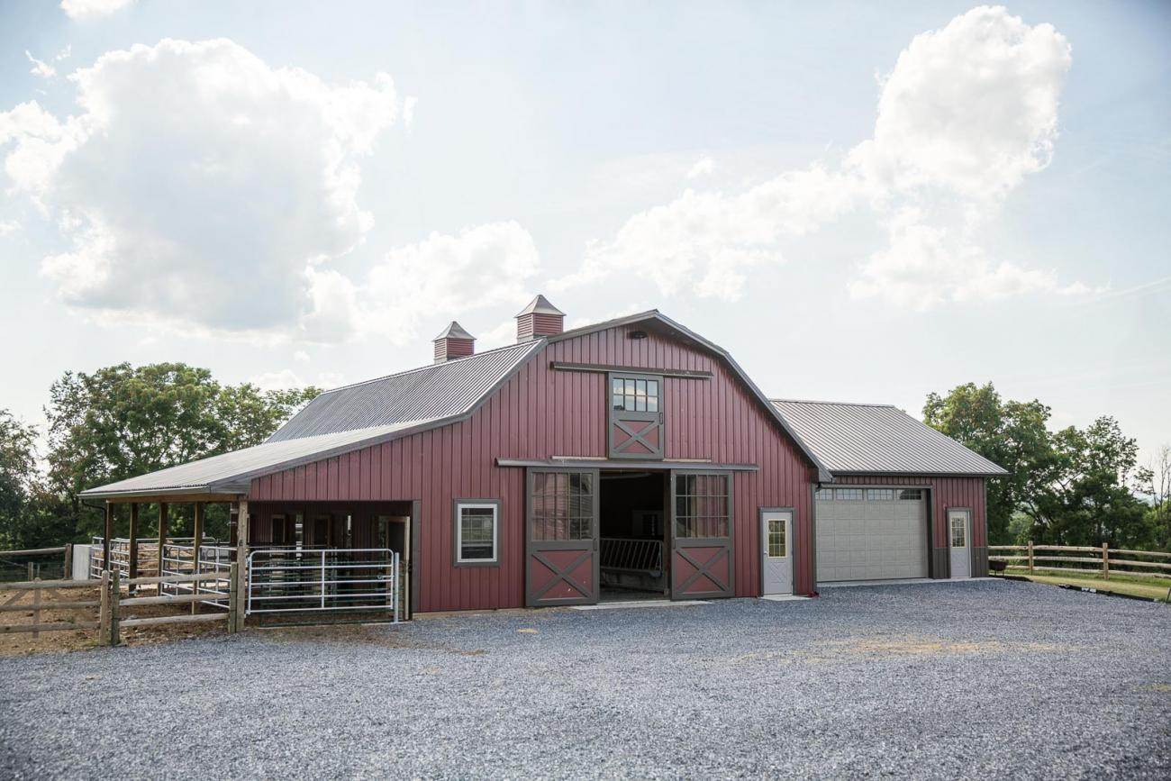 Horse Barn With Garage : Myerstown pa horse barn stable hollow construction