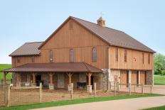 Bank barn built by Stable Hollow Construction.
