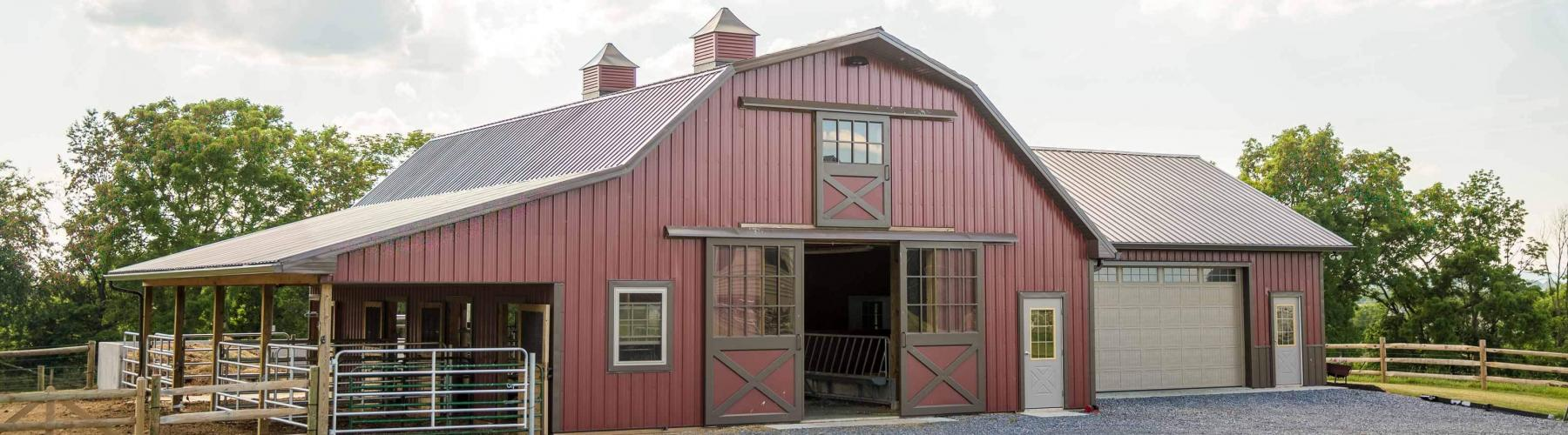 This barn / garage combination was built by Stable Hollow Construction